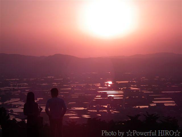 南砺市から眺める日本海に沈む夕陽 (1)