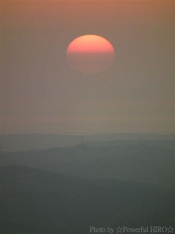 南砺市から眺める日本海に沈む夕陽 (8)