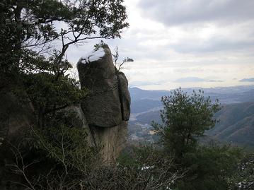 そそり立つ巨岩