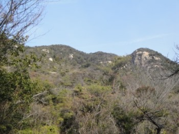 <br /><br />大鉢山を見る