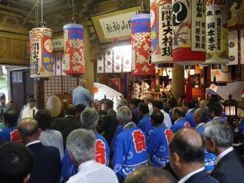 関山神社神事
