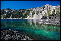 Emerald waters in Fumarole Bay, Wizard Island