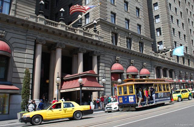 ウェスティンホテル前のケーブルカー