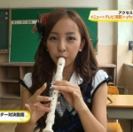 AKB48 板野友美 セクシー 縦笛リコーダー 咥え カメラ目線 地上波キャプチャー 高画質エロかわいい画像9154