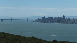 エンジェルアイランドから見たサンフランシスコとベイブリッジ