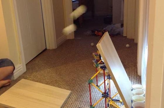 天才少年!参上。ピンポン球を自由自在に操る男の子の神業動画が凄過ぎる!!