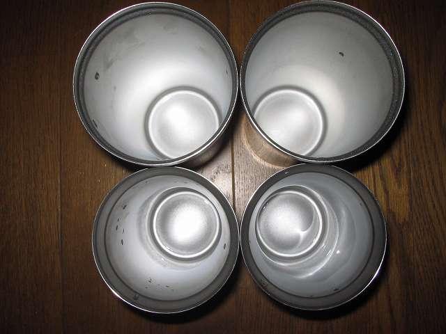 2014年に購入した フォルテックハウス ステンレスタンブラー FHR-6204 620ml 2個 と FHR-6177 400ml 2個、酸素系漂白剤で洗浄後すぐ撮影したため、内部に水滴が残ったまま