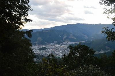 峠から見える尾鷲の街