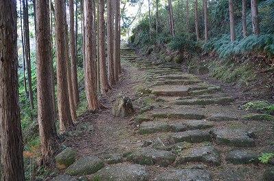 鎌倉時代の石畳