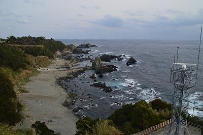 砂浜と岩場