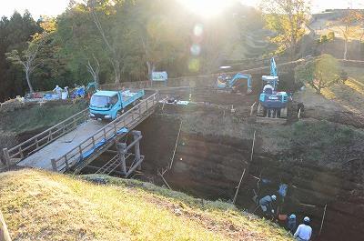 二ノ丸から西の丸に抜ける橋は工事中