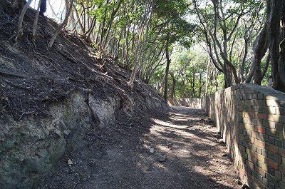 砲台跡の残る生石公園