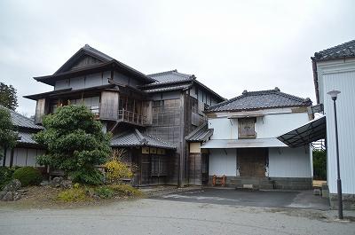 倉庫と竹の丸御殿と