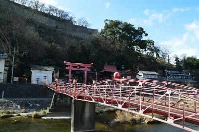けったいな形の橋やな