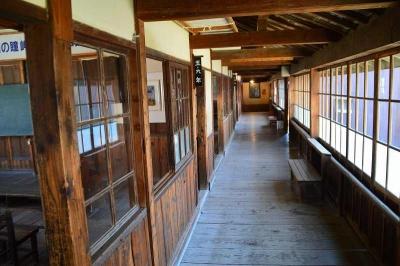 狭いね廊下