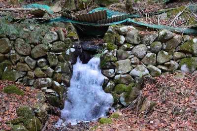 滝が凍るほどの寒さ