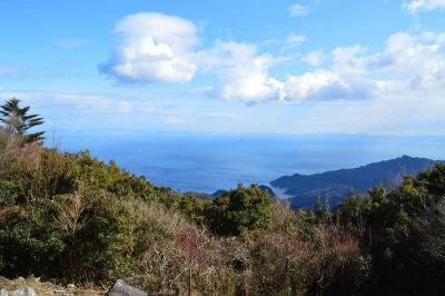 東峰は空と海を堪能