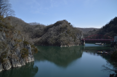 神龍湖の全景