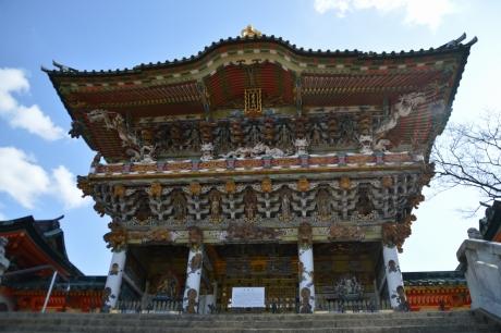 耕三寺の孝養門