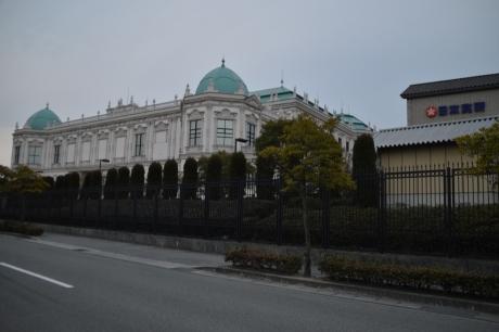 宮殿のような工場