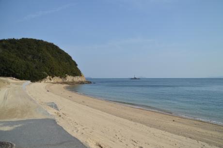 道に迷って砂浜へ