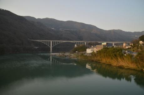 13吉野川上流