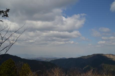6香川の街並みは遥か遠く