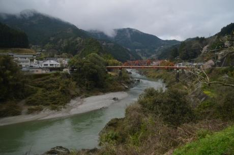 4吉野川はいい橋が多い