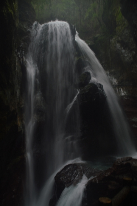 19大迫力の滝