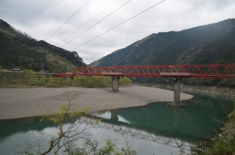 7陸橋と見せかけて普通の橋