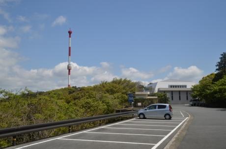 5紫電改展示室と宇和海タワー