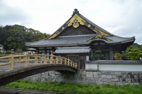 6吉田町図書館