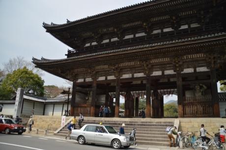 36近くの仁和寺