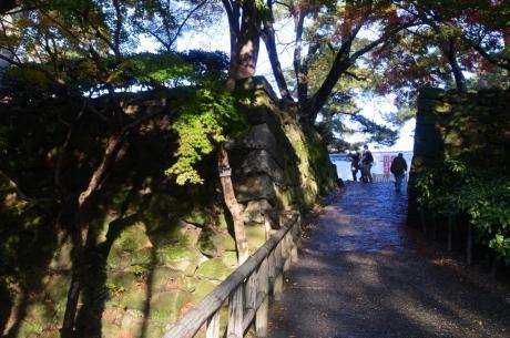 3神橋を渡って岡崎城へ