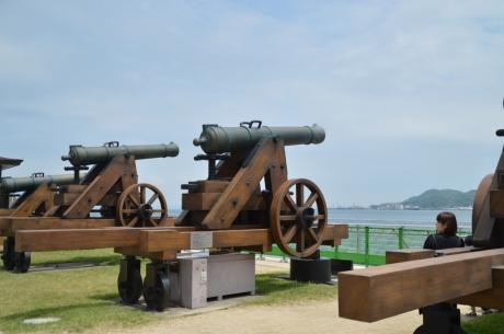 10据え付けられた砲台