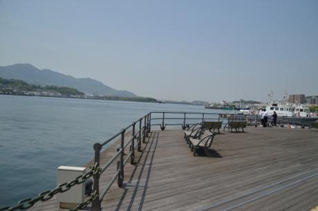 2テラスのような港の眺め