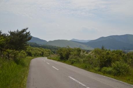 7由布岳を越える高原