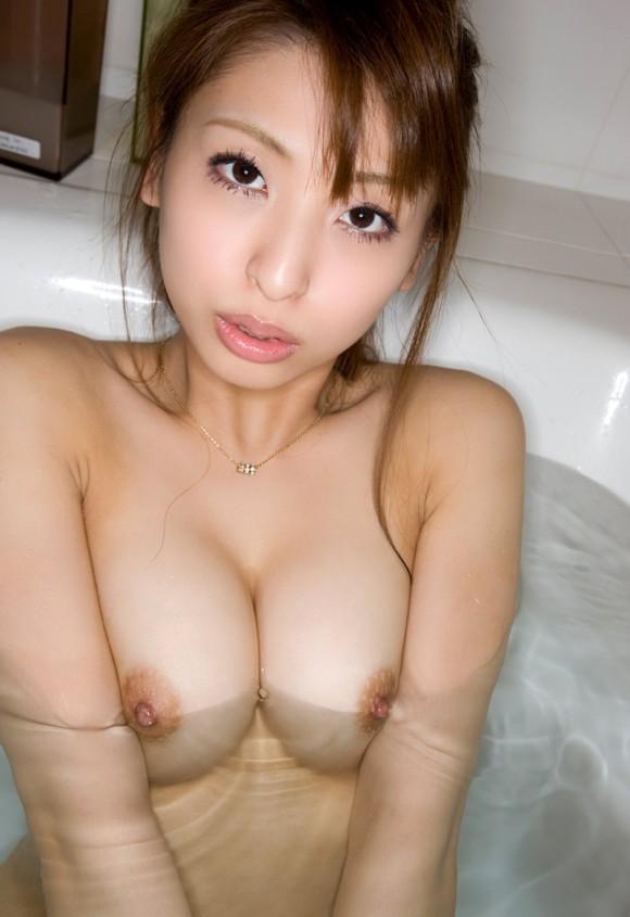 入浴中のふやけたおっぱい1