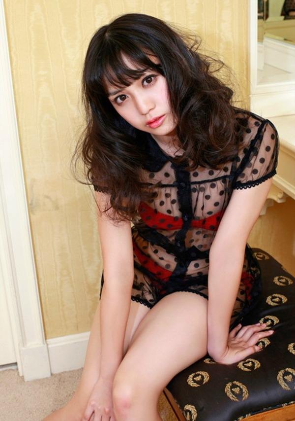 【奥仲麻琴(元PASSPO☆)】萌え萌え美乳おっぱいハミ乳エロ画像