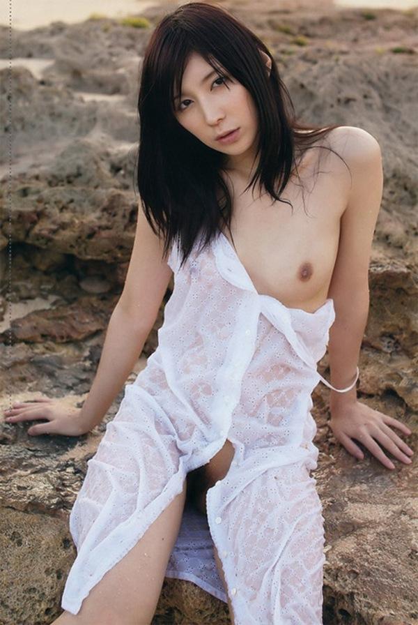 【仲村みう】最後の美乳おっぱいヘアヌード画像