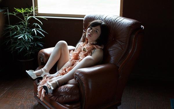 【吉川あいみ】全裸おっぱいの美乳ヌード