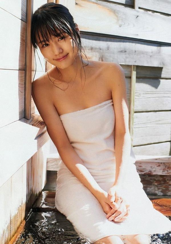 【有村架純】美乳おっぱいのビキニ画像