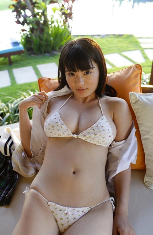 【星名美津紀】ぷるぷる巨乳丸見えおっぱい画像