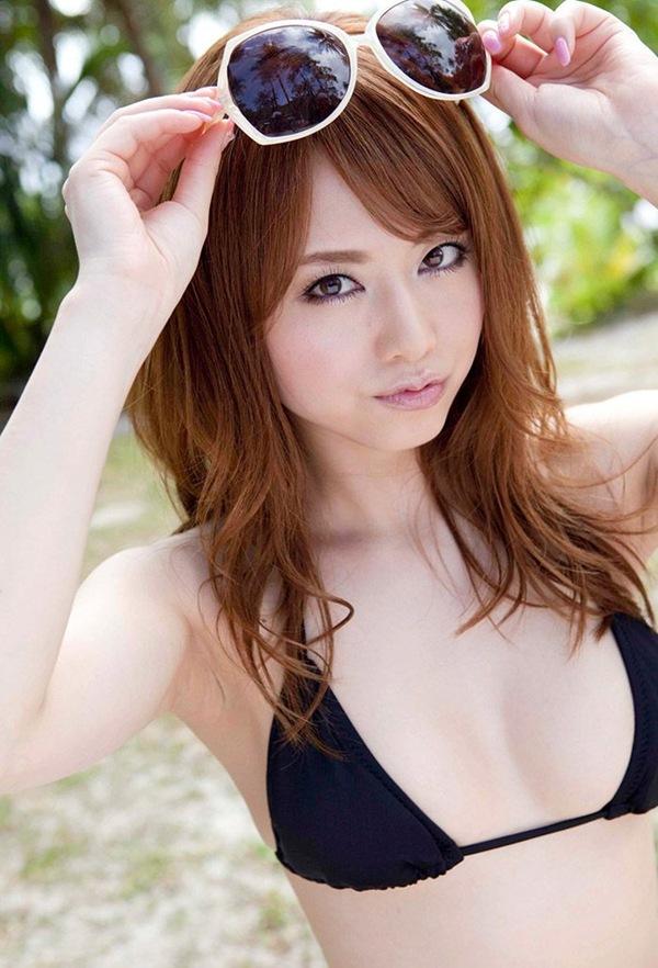 【吉沢明歩】全裸ヌードから美乳おっぱいの乳首