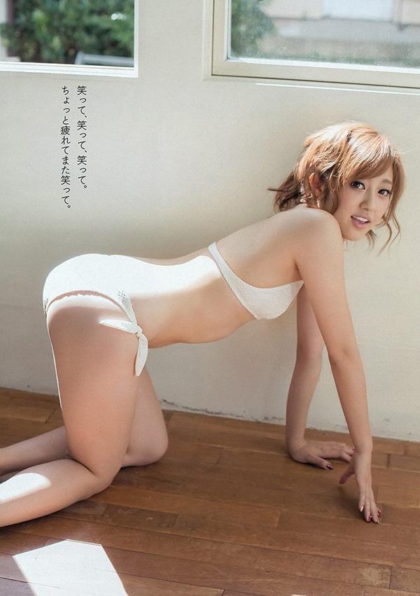 【菊地亜美】美乳おっぱいが水着からハミ乳