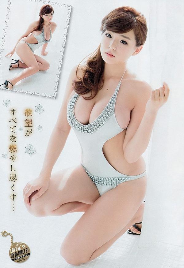 【篠崎愛】巨乳おっぱいがビキニからハミ乳