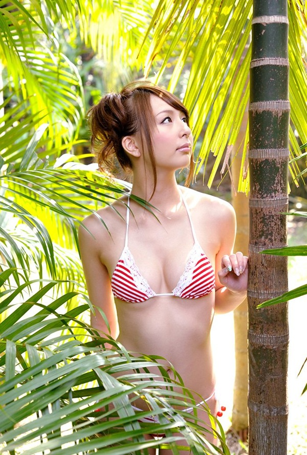 【希崎ジェシカ】全裸ヌードで美乳おっぱい乳首