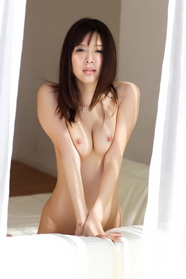 【葵つかさ】巨乳おっぱいの全裸ヌード画像