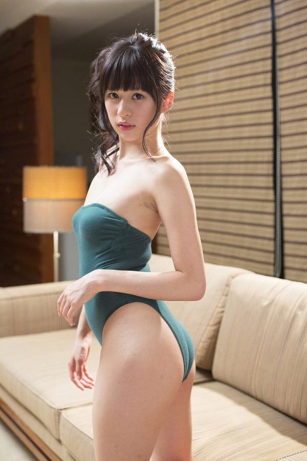 【山上愛】美女の水着ビキニ下着画像