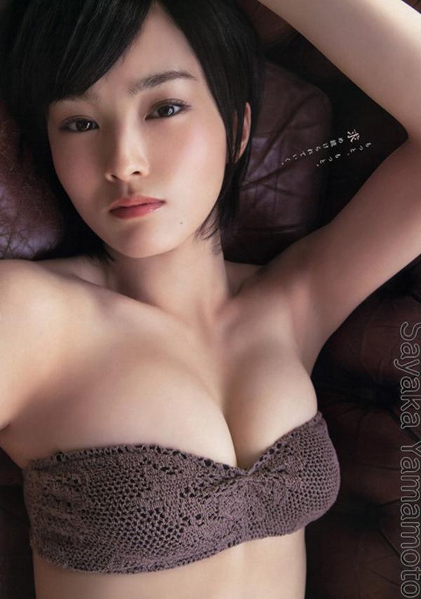 【山本彩】さや姉の爆乳デカパイ丸見え画像